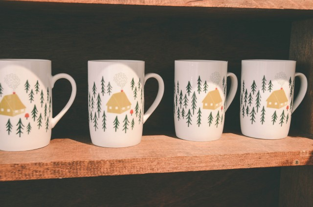 Holiday Mugs to add Decor to your home this Christmas