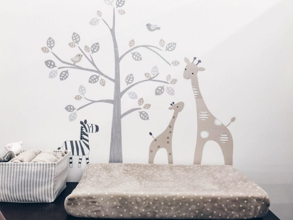 Baby Gift Registry Tips | Zoo animals change table set up and decor