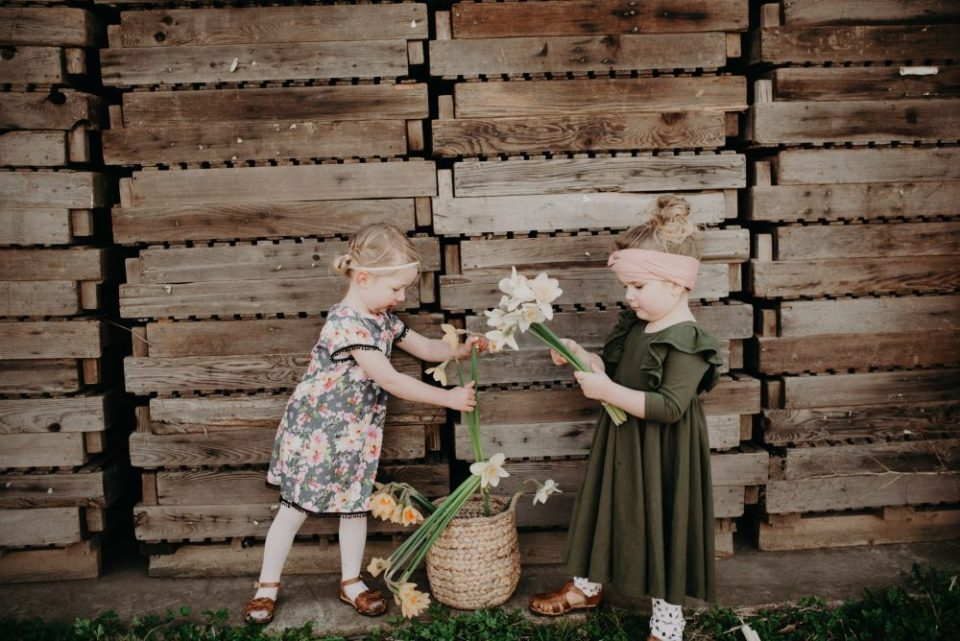 Kid's Spring Style | Picnic in the Daffodil Field