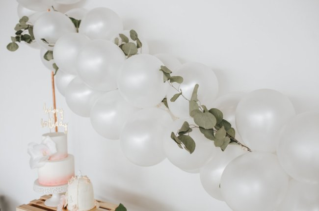 How To Make a Simple Balloon Garland Backdrop | Easy DIY | Party Decor | Floral Birthday Party
