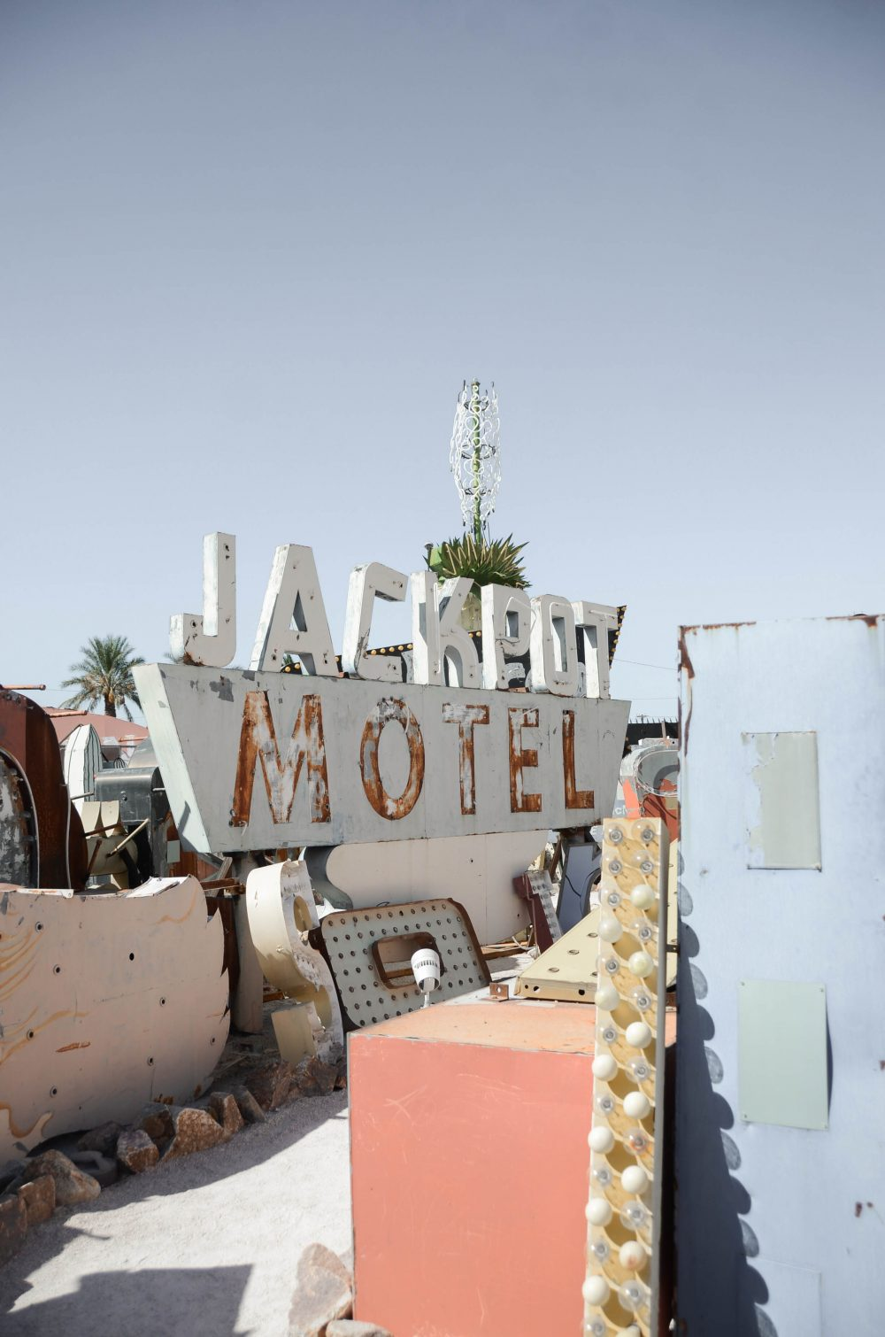 Las Vegas Neon Museum / Boneyard | Things to do and see in Las Vegas, Nevada | Photo by Creative Wife and Joyful Worker