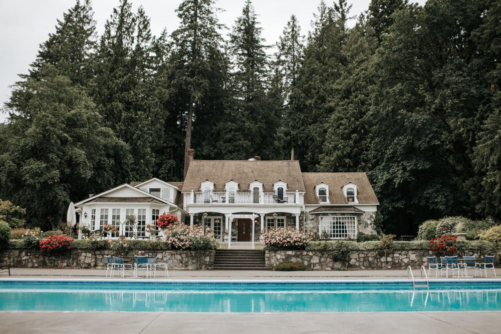 Rowena's Inn on the River & Sandpiper Resort Main Building and Pool | 10 Things to do Near Harrison Hot Springs
