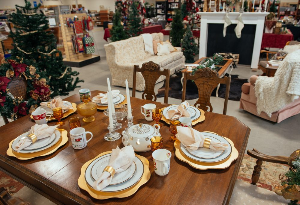 10 Holiday Decor Items to Purchase Thrifted & $500 Giveaway