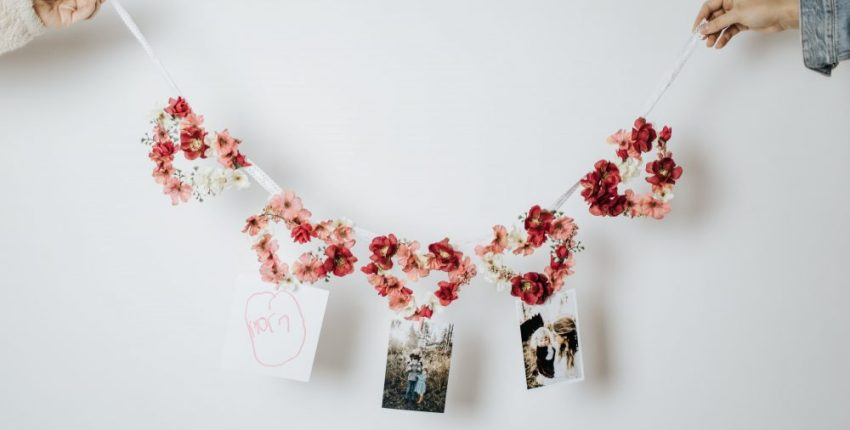 How to Make a Floral Heart Shaped Banner for Valentine's Day