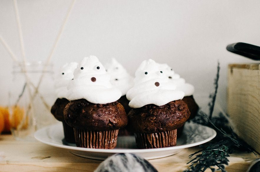 Ghost Chocolate and whip cream Cupcakes