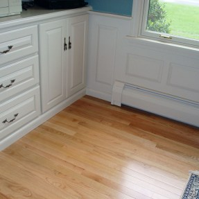 built-in cabinet / wall joint