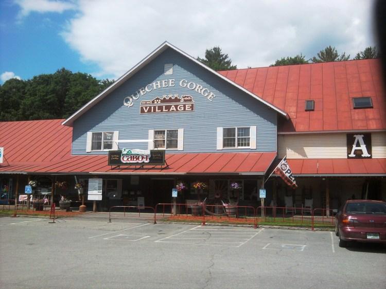 quechee-gorge-villiage-antique-mall