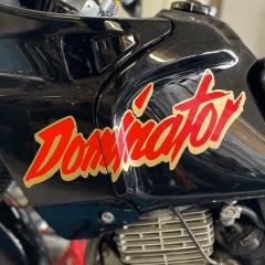 Stickers de réservoir «DOMINATOR» pour Honda Dominator 650