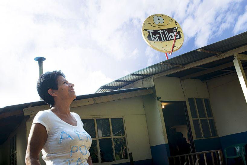 ogilvy-mather-claro-signs-of-progress-dish-antennas-costa-rica-designboom-52