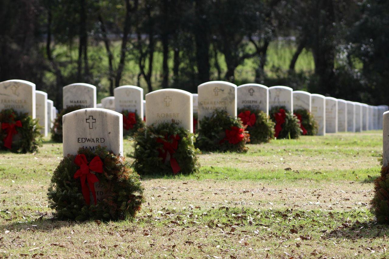 grave-608441_1280