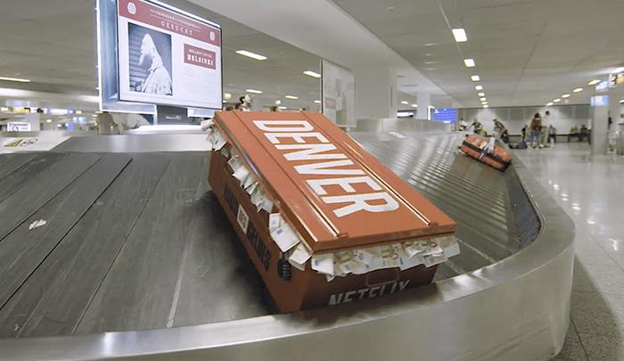 accion publicitaria en aeropuesto de La casa de Papel, Netflix