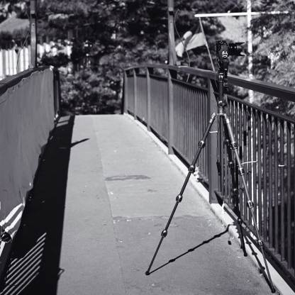I had no hesitation in using any camera on the 3 Legged Thing Equinox Leo, from a Fujifilm X100 through the Lumix GX8 and GH4 up to a Canon 5D Mark II DSLR, even in windy locations like this high footbridge over the Pacific Highway.