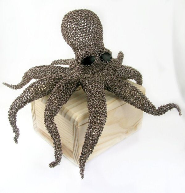 Octopus sculpture by Cat's Wire
