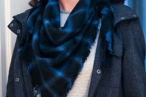 How To Make A No-Sew Triangular Fabric Scarf