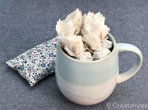 easy handmade gifts lavender sachet and mulling spices in a mug