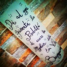 Lampade da Parete decorate a mano, personalizzabili con qualsiasi frase, soggetto e nome. Per saperne di più http://creattivitylab.wix.com/ideeregalo#!lampade-message/c2269