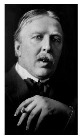 Photograph of Ford Madox Hueffer by E. O. Hoppe, 1912