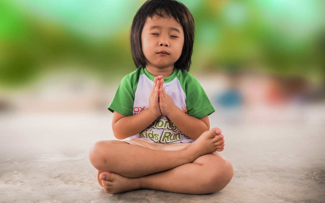 Comment méditer pour obtenir le calme et l'attention jour et nuit ?