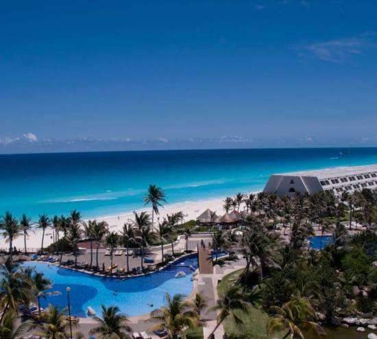 the best party hotel in cancun