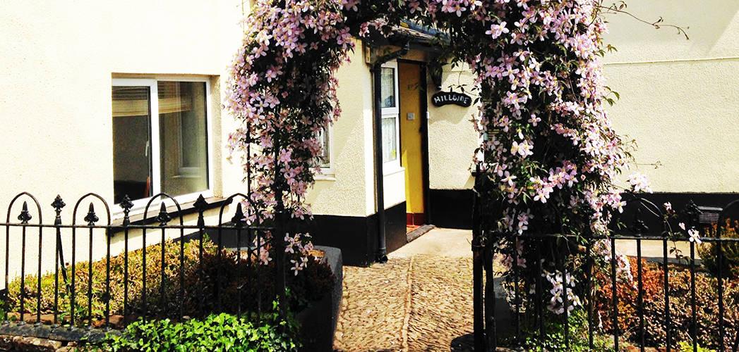 Outside Hillside Bed & Breakfast, Sandford, Crediton, Devon