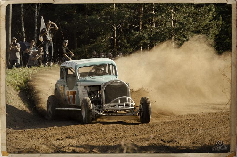 dirt-track-race-2010