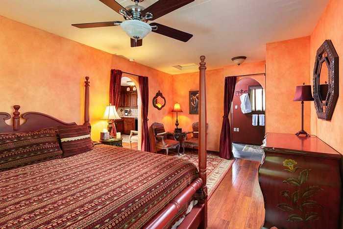 Unique Bed & Breakfast Accommodations | Creekhaven Inn & Spa