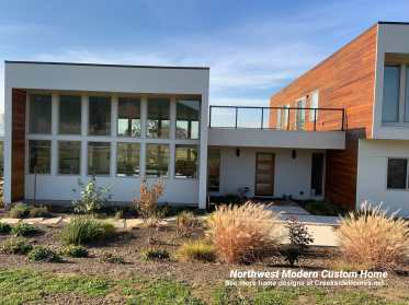 northwest modern custom home built by Creekside Homes