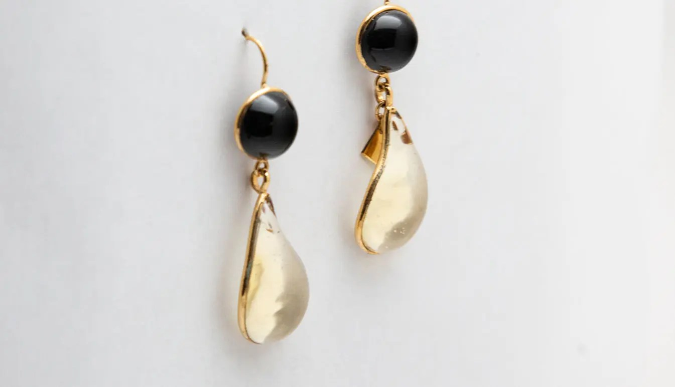 yellow-and-black-bicolor-earrings
