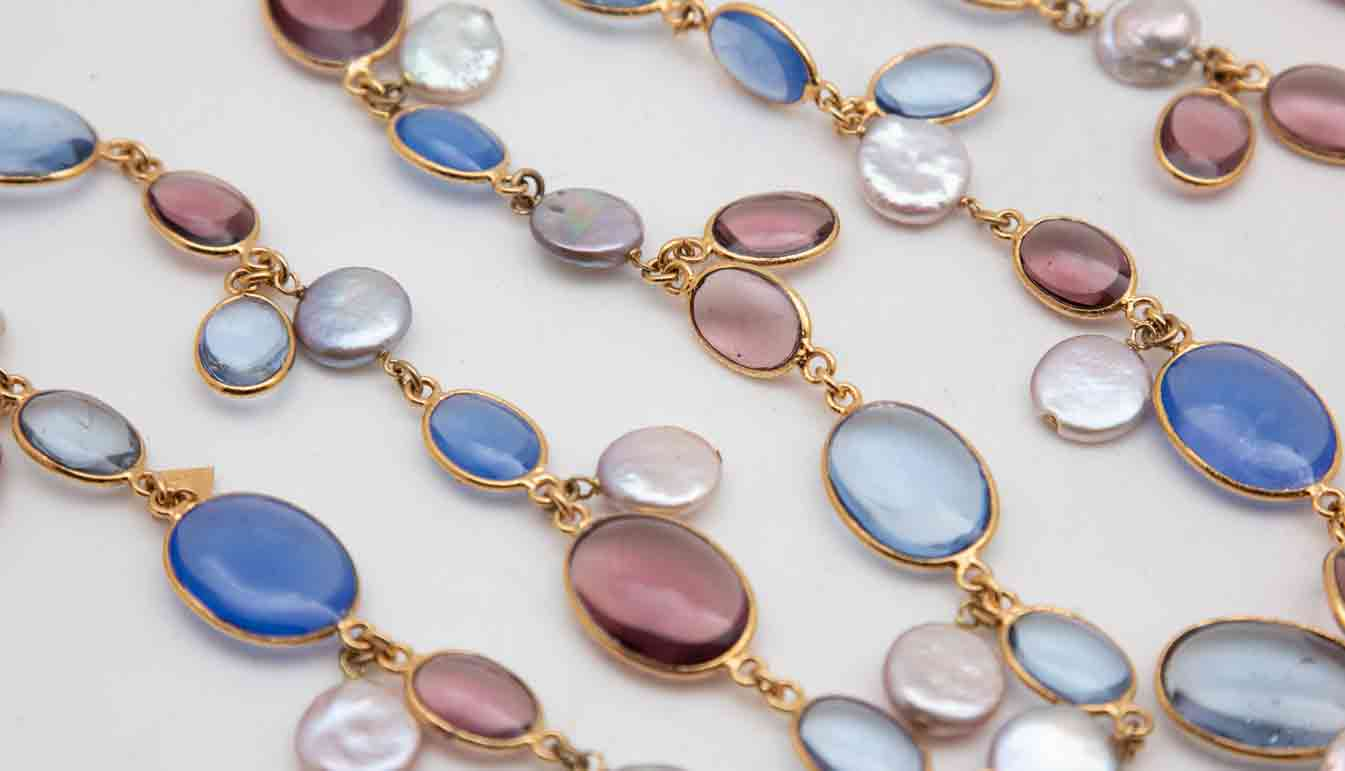 blue-pearl-gold-chain