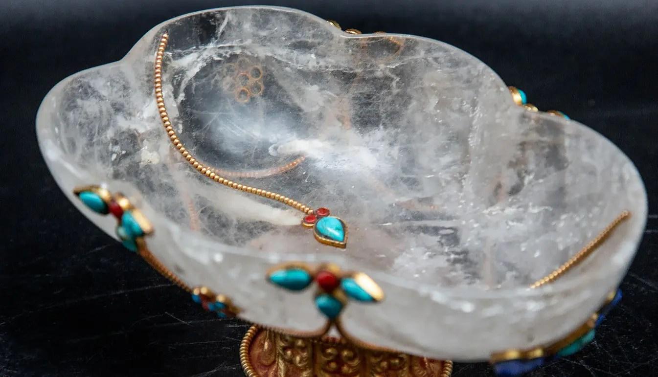 detail-rock-crystal-bowl
