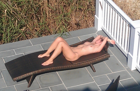 Was specially Caught my neighbors wife naked magnificent