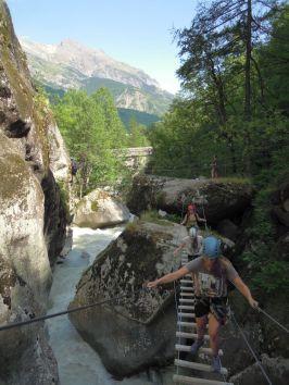 Via ferrata découverte Hautes Alpes encadrée par un moniteur
