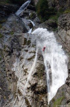 canyon pratique, faire du canyon, apprendre le canyon