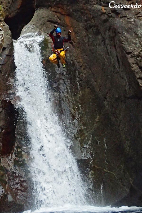 saut canyoning, canyoning sportif hautes-Alpes, canyon Briançon