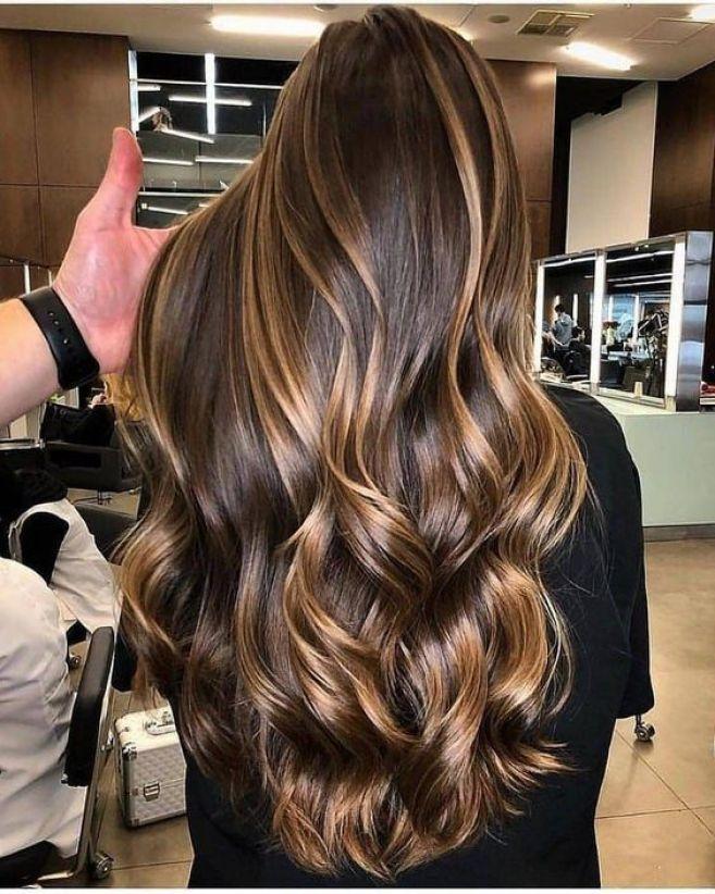morena iluminada cabelo