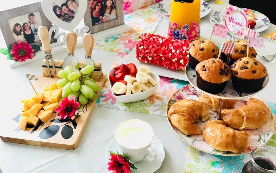 mesa de café da manhã para o dia das mães