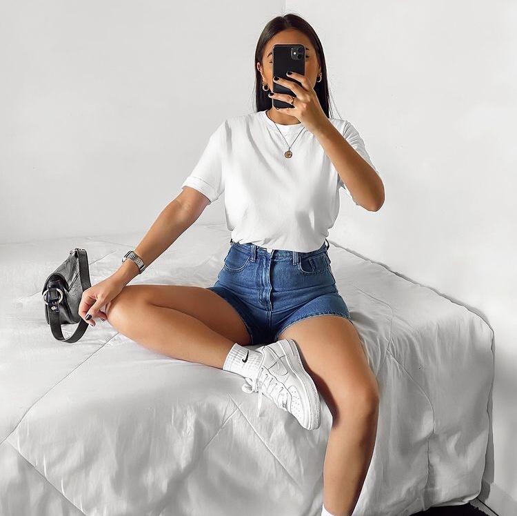 look básico com short jeans