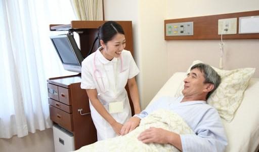介護士と男性