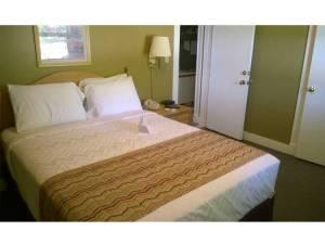 Okoboji Resort and Vacation Rental Bed