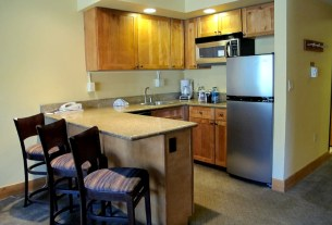 grand lodge 325 for sale crested butte