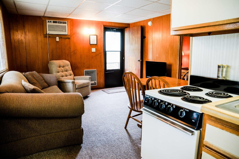 Cottage 1 Crest Lodge Table Rock Lake Living Room