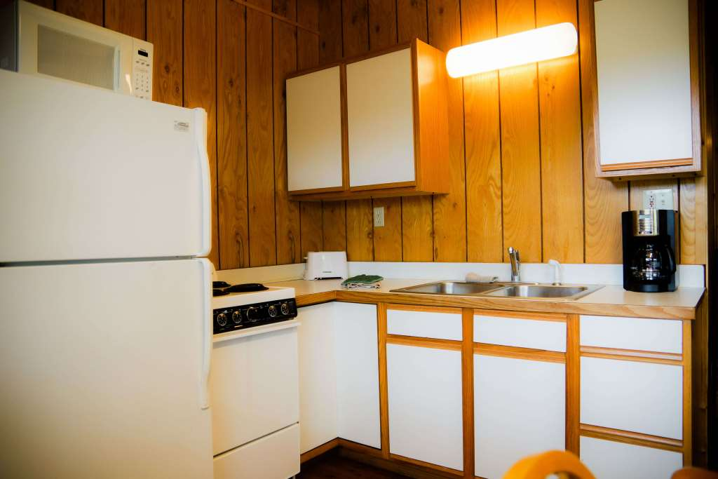 cabin 6 kitchen crest lodge resort Table Rock Lake