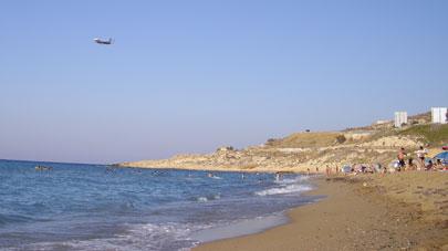 Καθαρές ακτές Κρήτης και Ρόδου