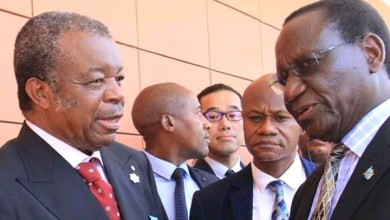 Photo of RDC Covid19 : Le premier ministre Sylvestre Ilunga a remis des kits de dépistage rapide de Covid-19 à l'INRB