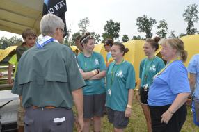 Wayne Brock talking with some of the girls in Crew 425.