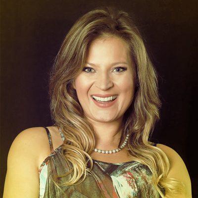 Joice Hasselmann - Criadores iD