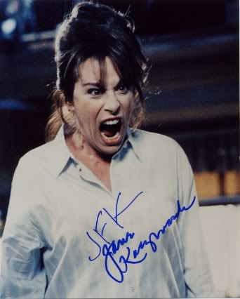 Jane Kaczmarek, que interperta a Lois, la mama de 3 en la serie Malcom, los que la hayan visto sabrán pro que ilustra este post...