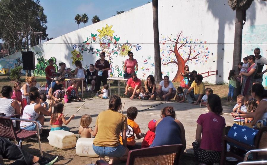 Vista general del taller de música y percusión del Maestro Gómez