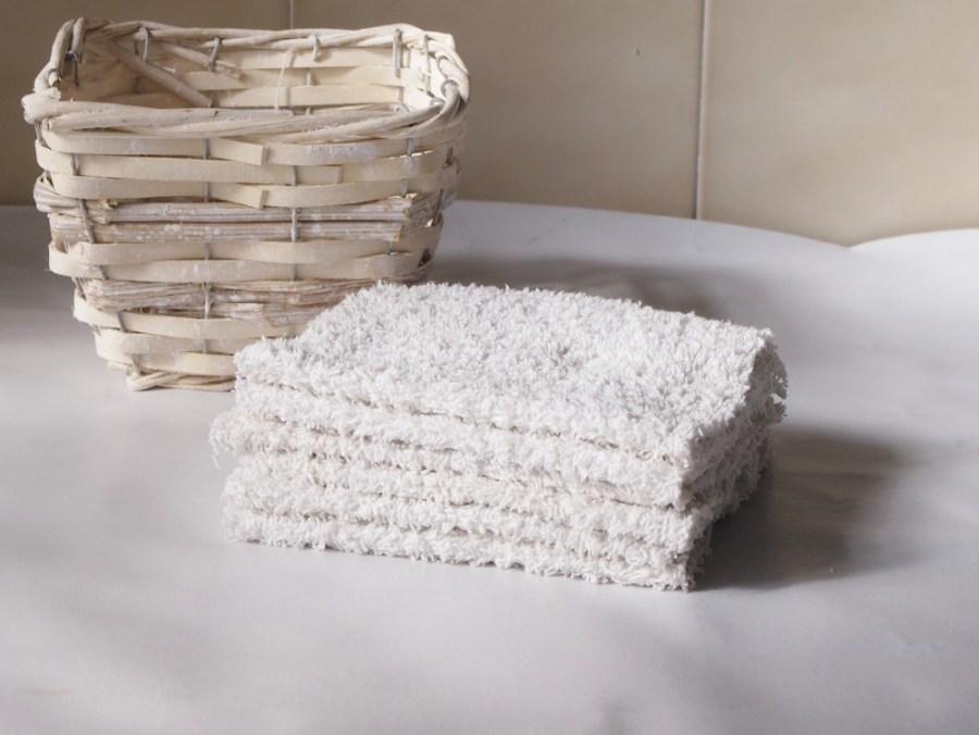 Foto con unas toallitas reutilizableshechas de toalla