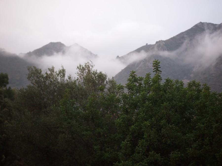 Las nubes sobre la sierra desde la Reserva ecologica de Ojén